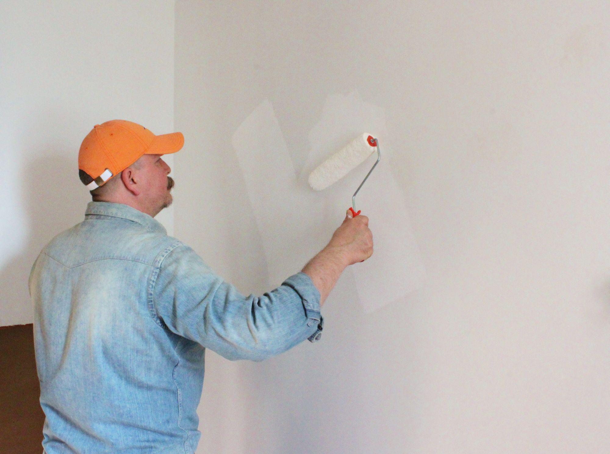 7 Langkah Mudah Untuk Memasang Wallpaper Dinding Sendiri