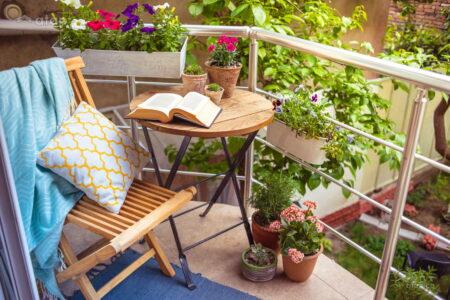 Desain balkon kecil