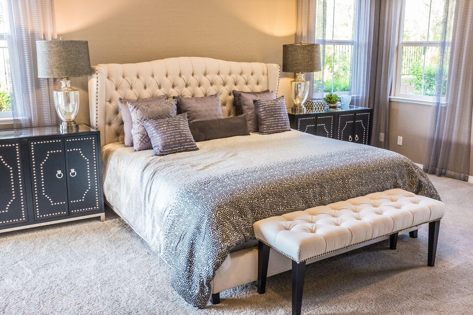 5 Cara Menata Tempat Tidur ala Hotel Berbintang yang Super Nyaman