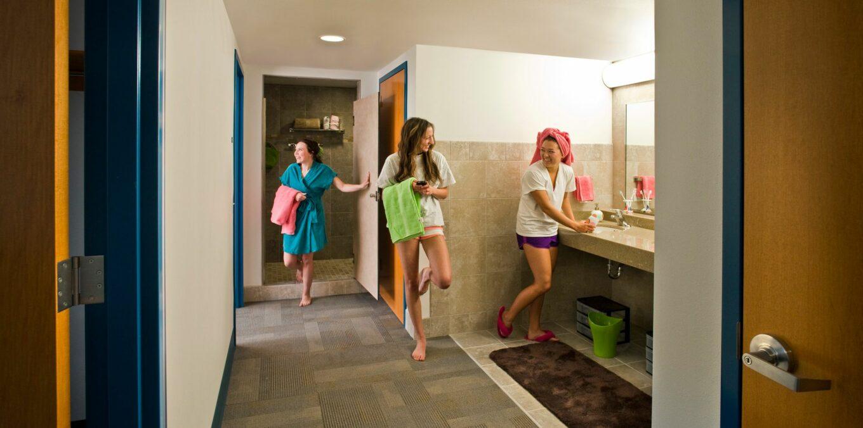 Etika kamar mandi bersama