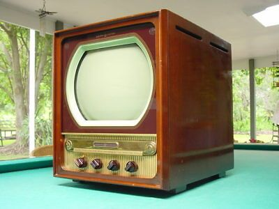 TV 1940 - Begini Sejarah Perkembangan Televisi
