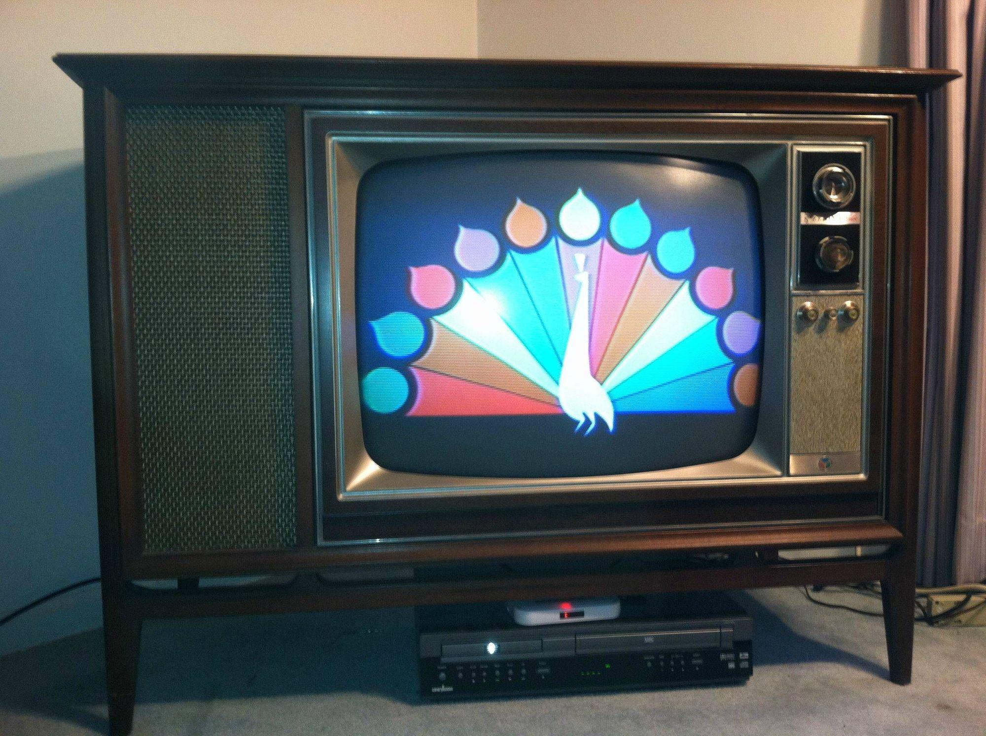 TV 1960 - Begini Sejarah Perkembangan Televisi