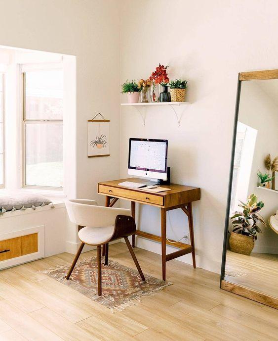 dekorasi area kerja di kamar - meja merapat ke dinding
