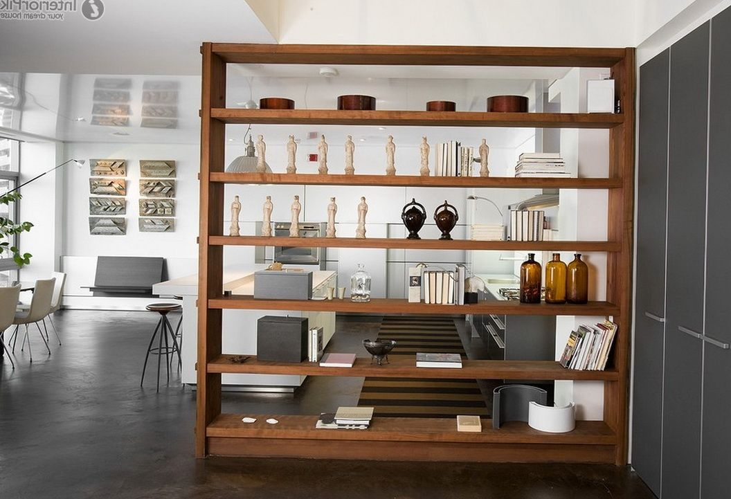inspirasi desain sekat ruang rak buku terbuka