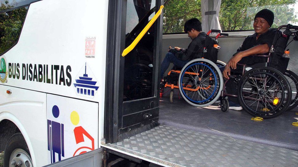fasilitas ramah difabel - bus disabilitas