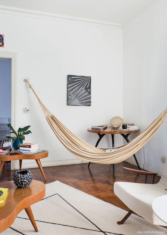 Comfy dengan hammock di pojok rumah