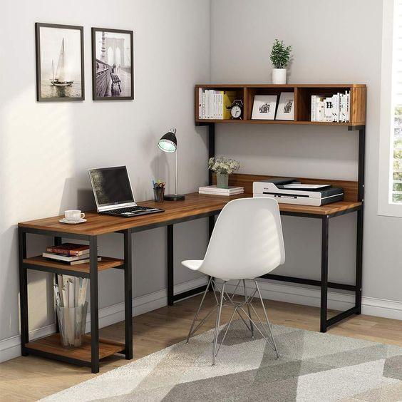 Ruang kerja di sudut rumah