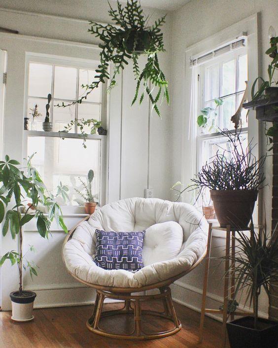 Sentuhan alami di pojok rumah