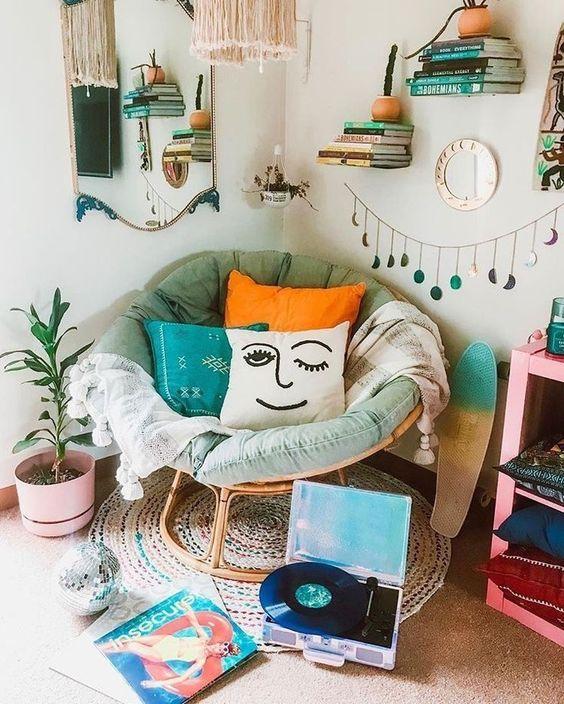 Pojok baca pewe dan estetik di pojok rumah