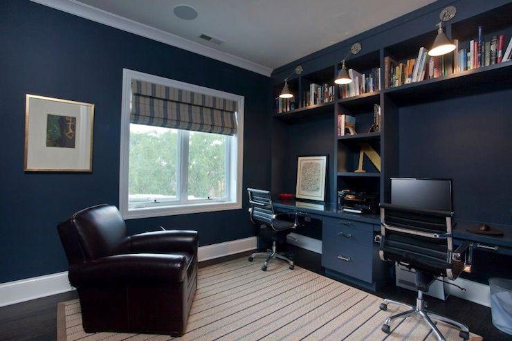 ruangan navy blue untuk ruang kerja