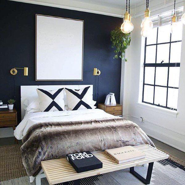 ruangan navy blue kamar tidur dengan kombinasi putih