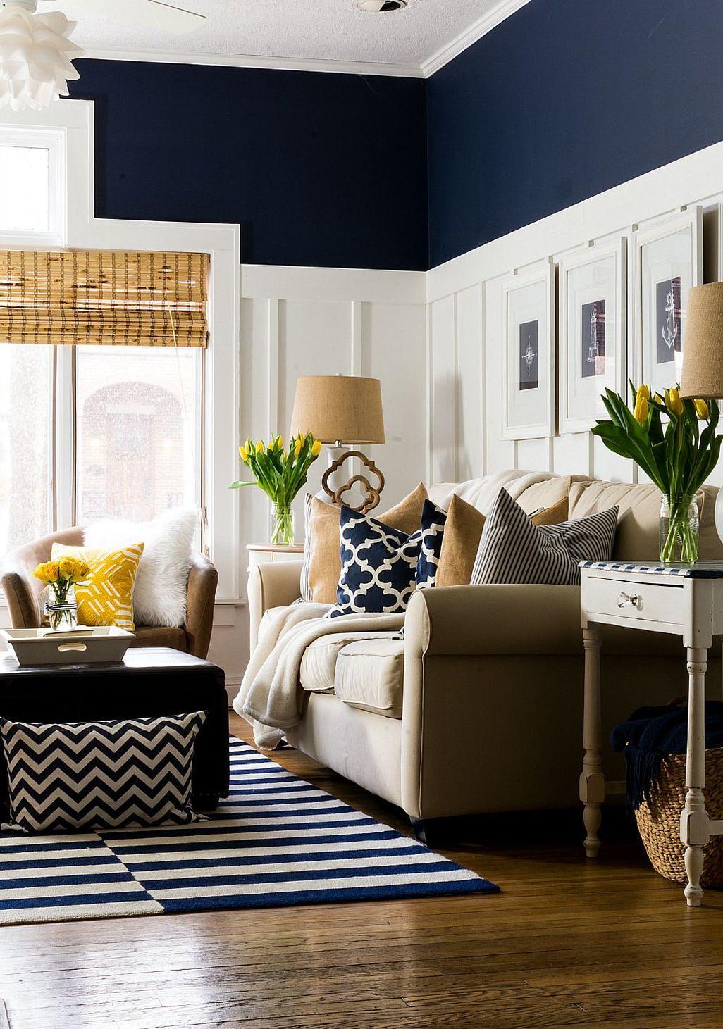 ruangan navy blue untuk ruang keluarga