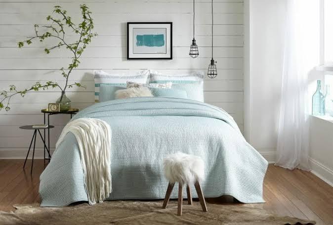 tren kamar tidur 2020 farmhouse sentuhan baby blue
