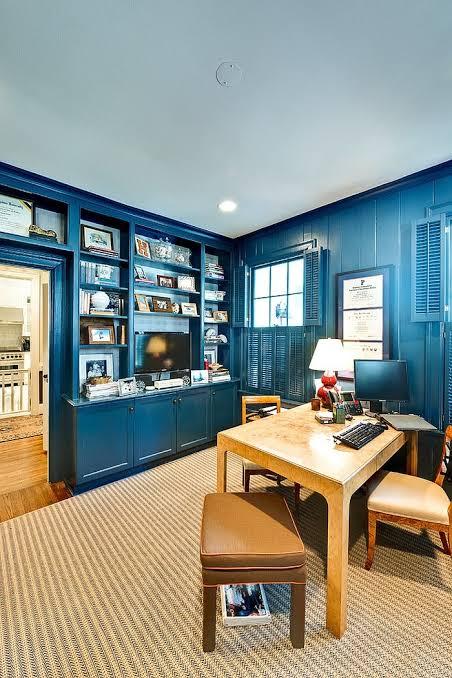 ruang kerja biru