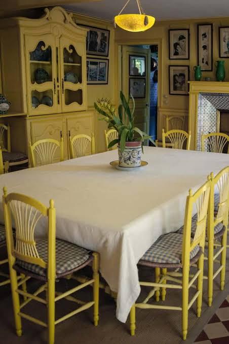 desain ruangan kuning ruang makan
