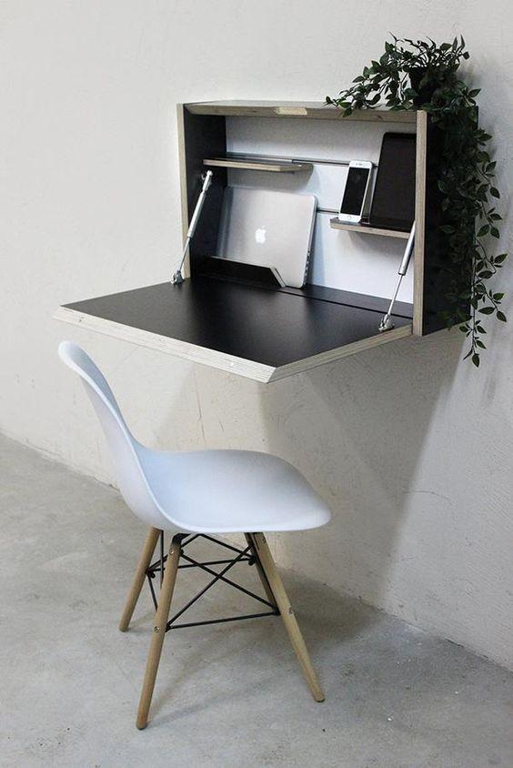 desain meja komputer berpintu dan rak