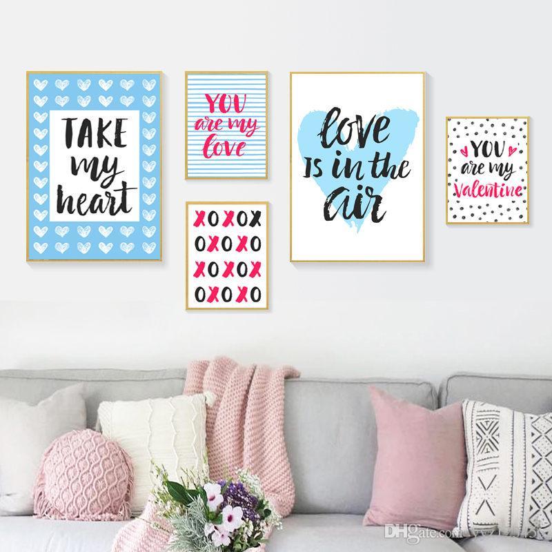 tips dekorasi valentine di rumah - pajangan dinding kalimat romantis