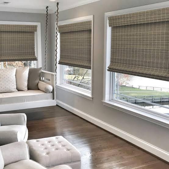 Tirai untuk jendela besar