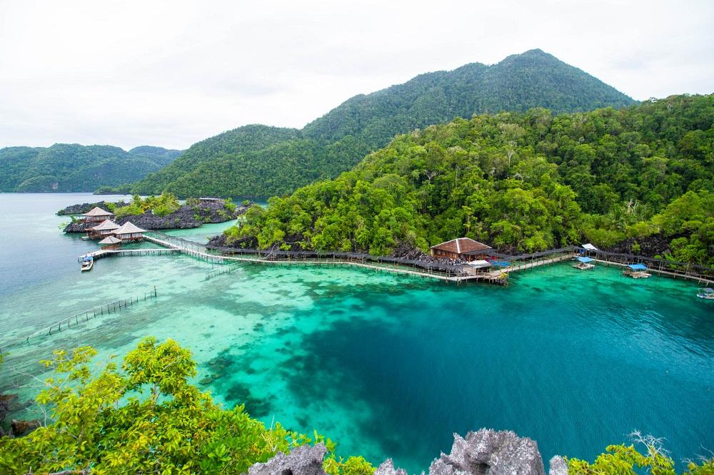 Tempat Honeymoon Romantis di Indonesia - Pulau Labengki