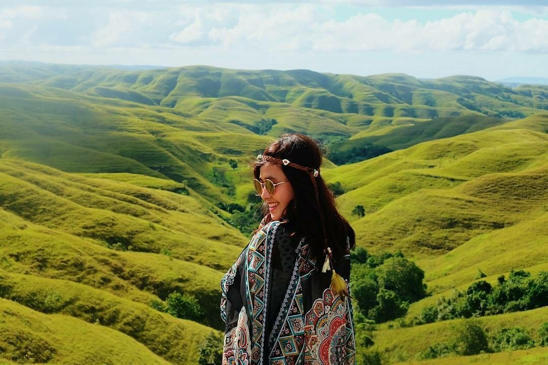 Tempat Honeymoon Romantis di Indonesia - Pulau SUmba