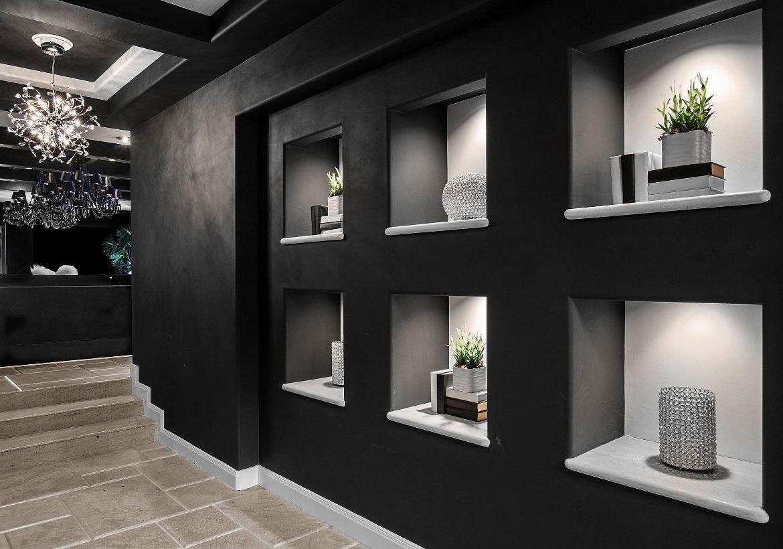 5 Dekorasi Lorong Rumah untuk Mengubah Kesan Sempit dan Gelap