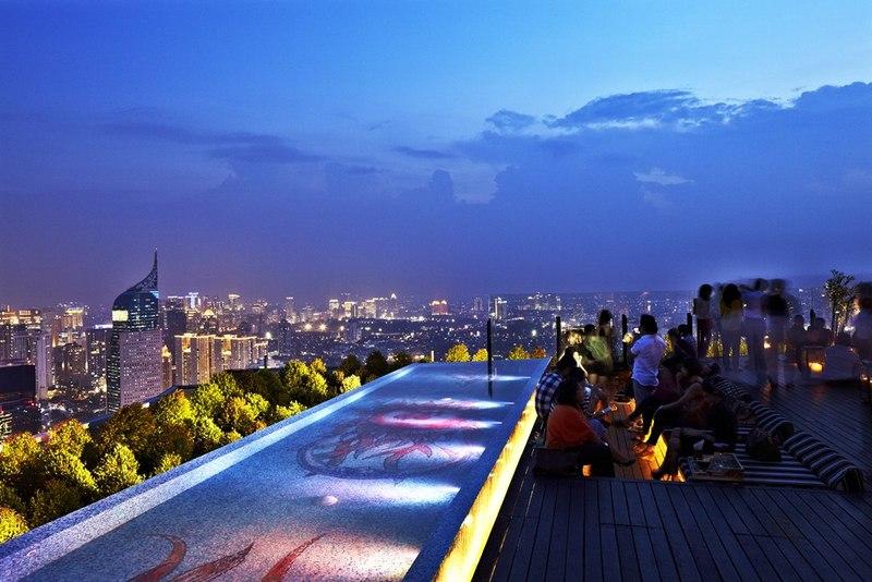 10 Restoran Rooftop Di Jakarta Dengan Pemandangan Romantis