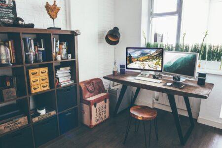 Cara mengalirkan energi positif dengan feng shui meja kantor
