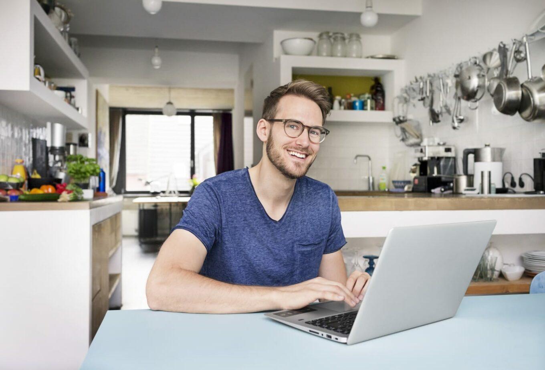 cara agar tetap prpduktif saat kerja dari rumah