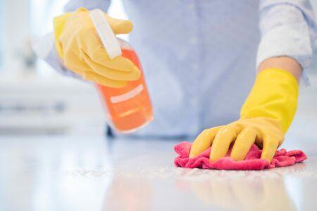 perbedaan sanitasi dan disinfeksi untuk covid-19
