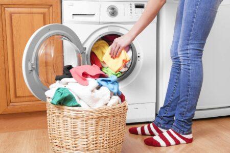 tips mencuci pakaian dari corona