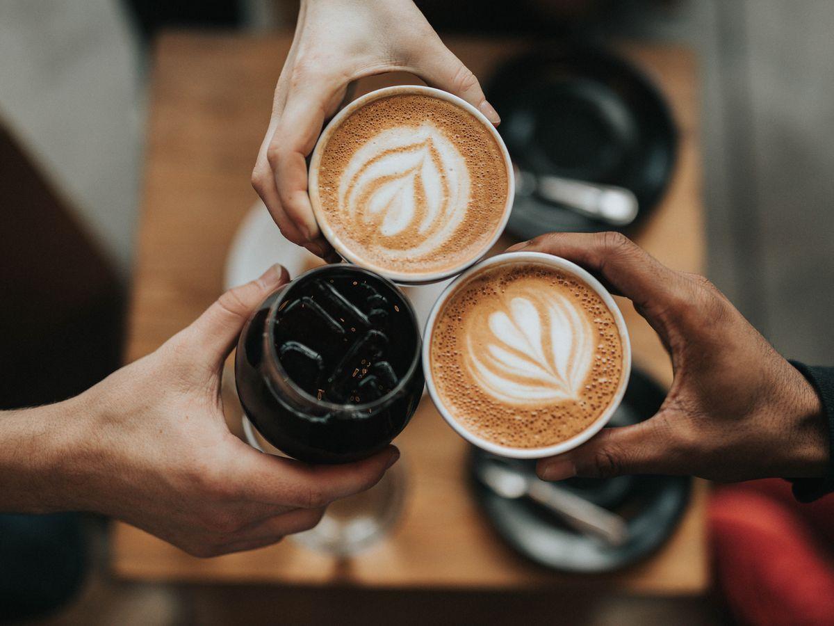 Cara membuat kopi ala kafe di rumah