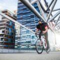 Cara aman naik sepeda di kota besar