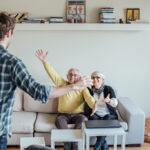 Cara agar tinggal bareng sama keluarga saat psbb bisa tetap produktif