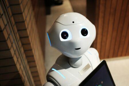 pelayan robot