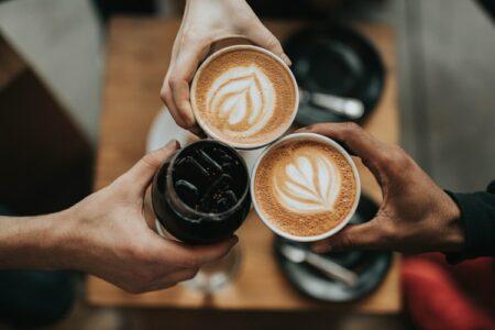 kafe 24 jam depok