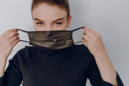 Cara cek masker medis asli atau palsu