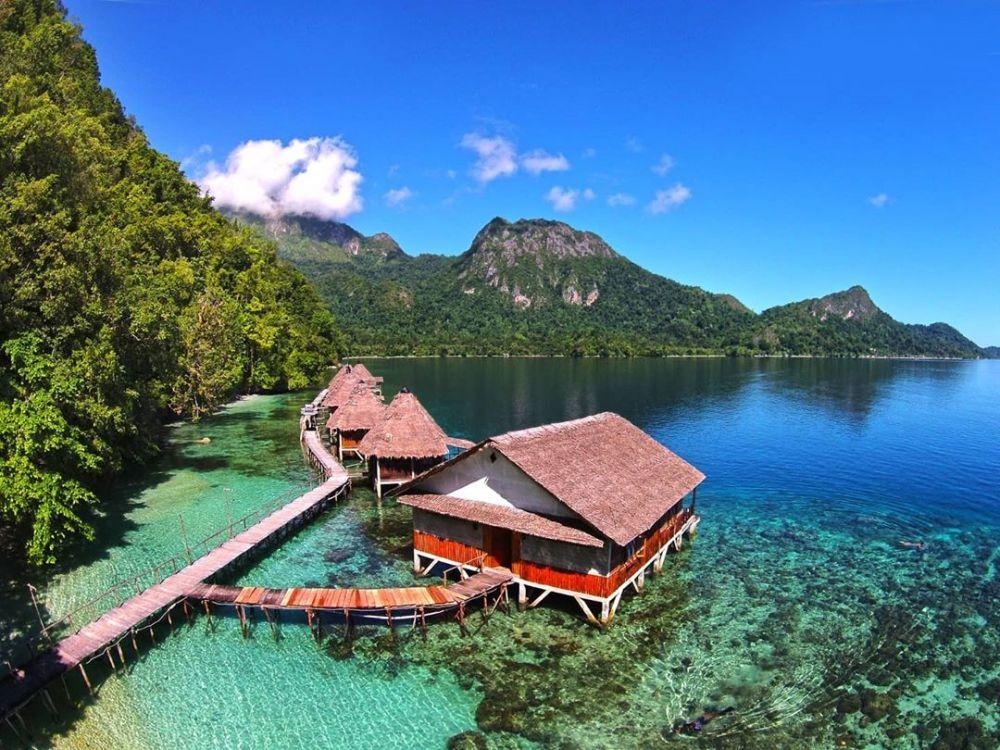 Tempat Honeymoon Romantis di Indonesia - Pantai Ora