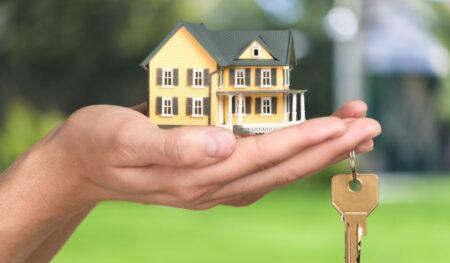 renovasi atau jual rumah ya