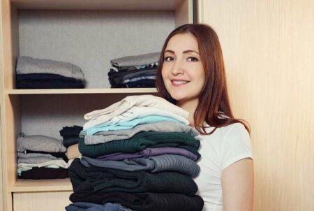 Cara Cegah Bau Apek Pakaian di Lemari