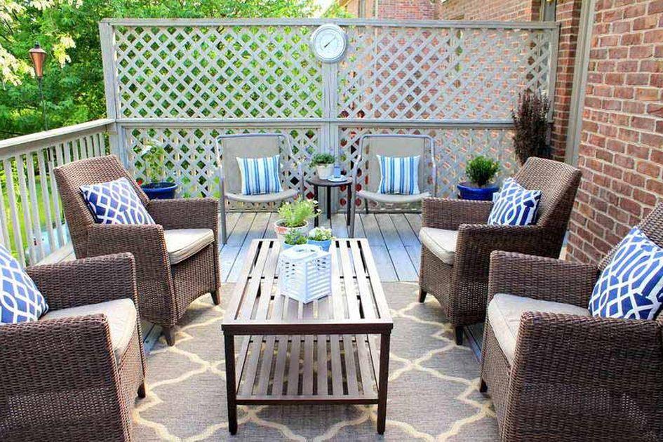 ide ruang tamu di teras rumah outdoor