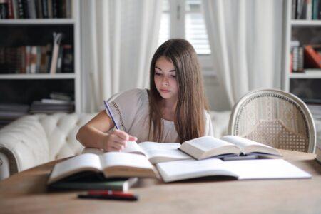 tips belajar di kost yang efektif untuk mahasiswa